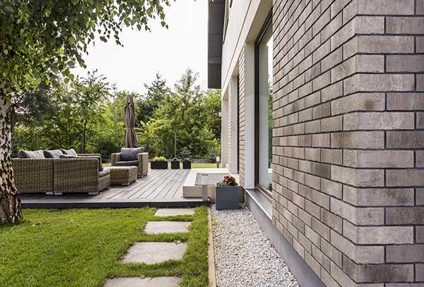 Clean windows, residential home